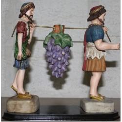 تمثال قطف العنب