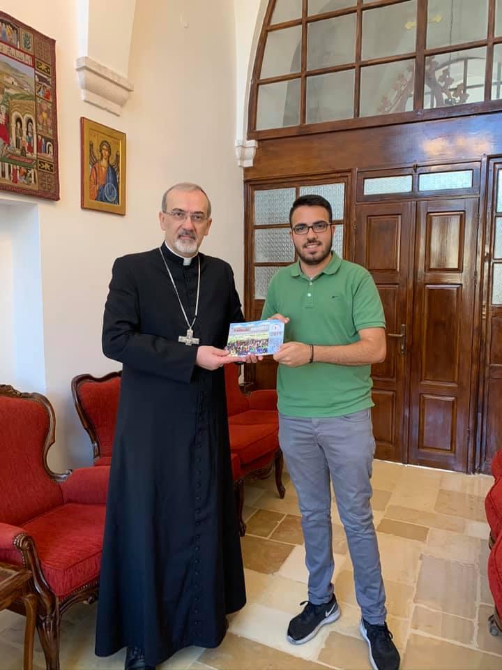 المدبر الرسولي يبارك مسبحة #بالرجاء_ننتصر ويثمّن عمل الشبيبة المسيحية في فلسطين
